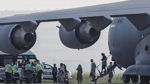 EE.UU. evacuó a 3.000 personas del aeropuerto de Kabul en las últimas 24 horas