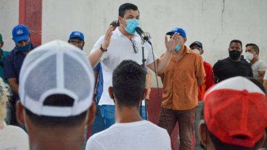 Chino González plantea una cruzada por la recuperación de la educación en Mariño