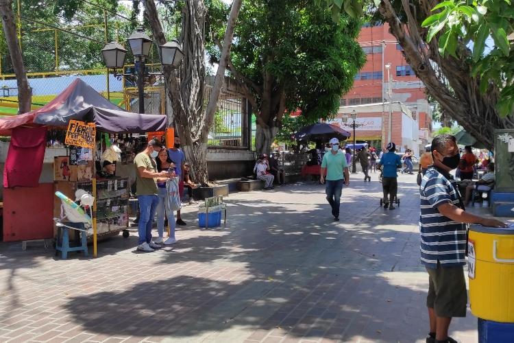 Bajos salarios obliga a trabajadores de Nueva Esparta a migrar al comercio informal