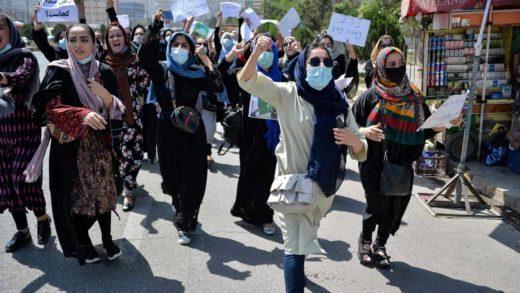 Bachelet denunció que los talibanes siguen violando DDHH