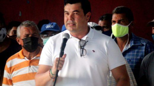 José Antonio González visitó Campomar I, Las Cabañitas y centro de Porlamar