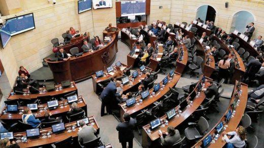 Senado de Colombia aprobó propuesta para restituir relaciones diplomáticas con Maduro