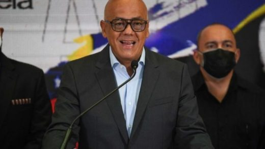 Jorge Rodríguez anunció que designarán comisión para normalizar relaciones con Colombia