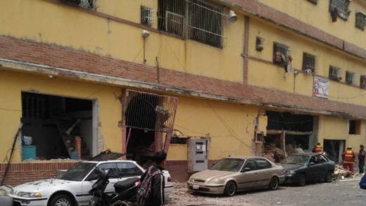 Reportan fuerte explosión en un edificio adyacente al Hospital Militar en Caracas este #8Oct