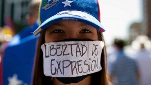 SIP denuncia persecución contra periodistas venezolanos y bloqueo de medios
